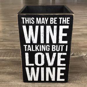 Primitives By Kathy Wood Wine Box 🍷😍